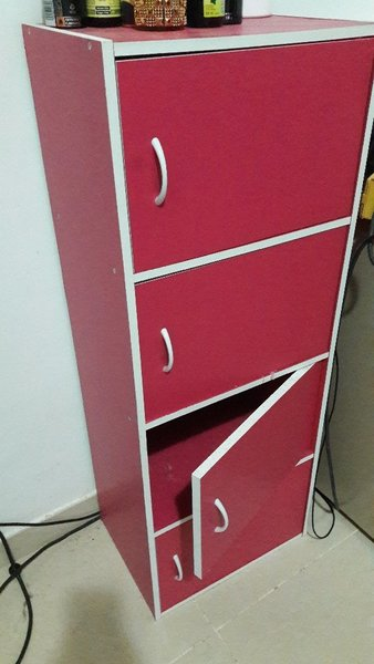 Single storage cupboard with 4 shelves