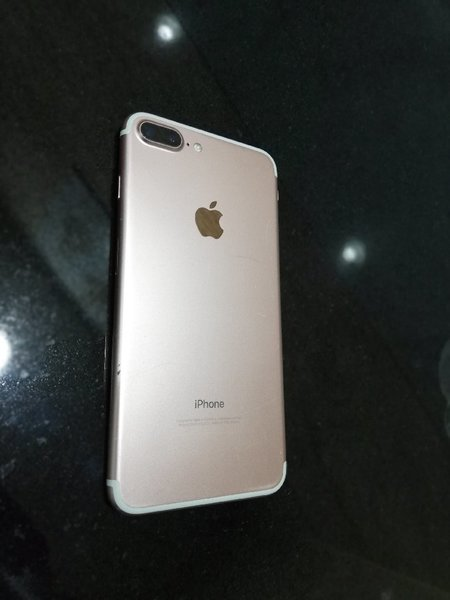 Used Iphone 7plus 128gb rose gold in Dubai, UAE