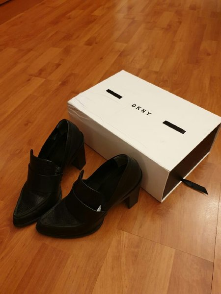 Used DKNY Shoes black size 37 with free gift in Dubai, UAE