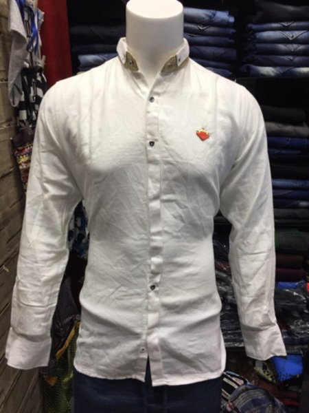 Used White shirt (Best for jeans) in Dubai, UAE