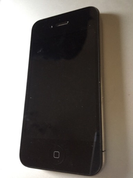 Used Apple iPhone 4 32 Gb Black with face tim in Dubai, UAE