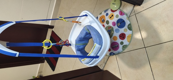 Used Graco Musical door way baby jumper in Dubai, UAE
