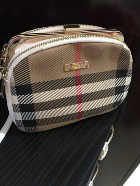 Used Burberry crossbody bag. Used few times. in Dubai, UAE