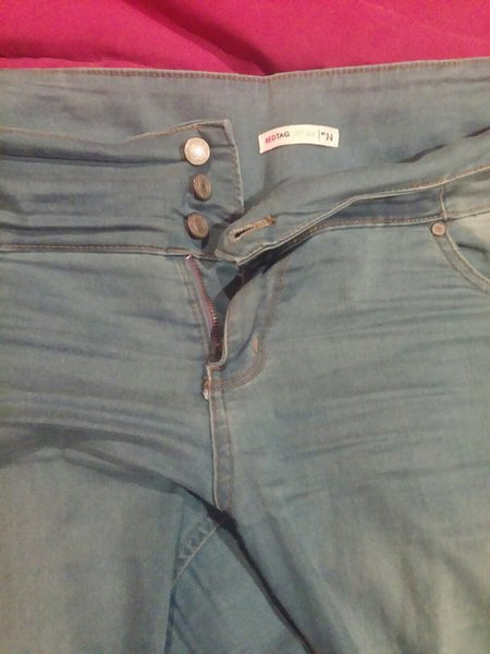 Used Large jeans. Red tag. in Dubai, UAE
