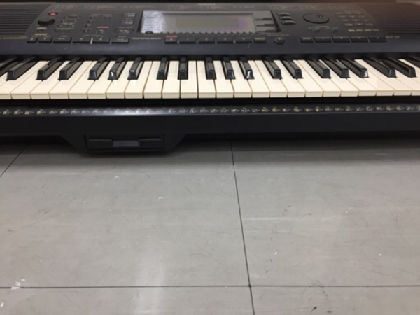Used YAMAHA keyboard PSR-630 with stand in Dubai, UAE