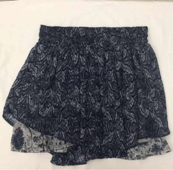 Used Item No. 37 Preloved Skirt in Dubai, UAE