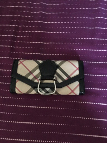 Used Burberry Wallet not Authentic  in Dubai, UAE