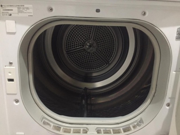 Used LG dryer 7kg rarely used in Dubai, UAE