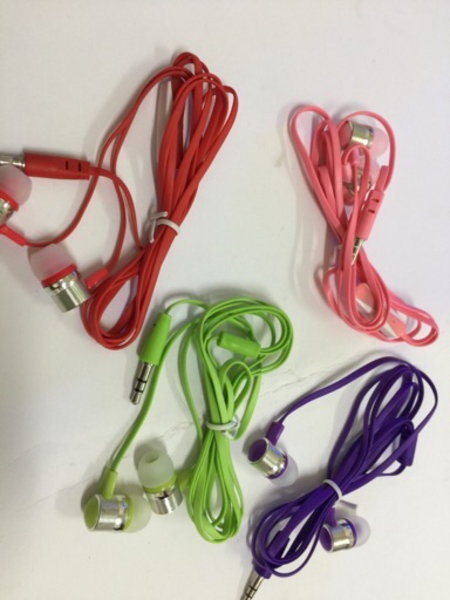 Used special offers 4pc earphone in Dubai, UAE