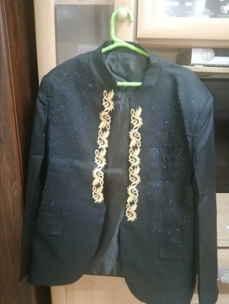 Used Men's embroidery Blazer suit with pant. in Dubai, UAE