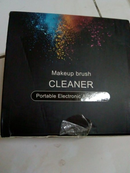 Used Make up brush cleaner in Dubai, UAE