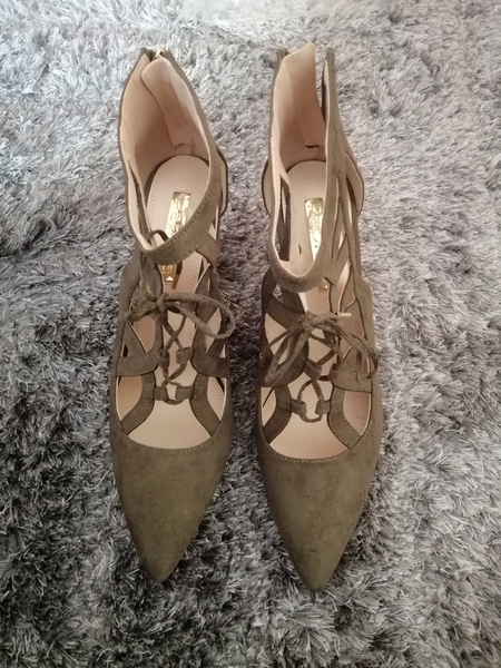 Used Shoes good condition in Dubai, UAE