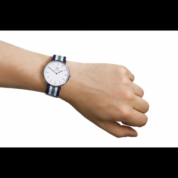Daniel Wellington Watch. Water Resistant. Stainless Steel Back Case. Hight Quality Replica.