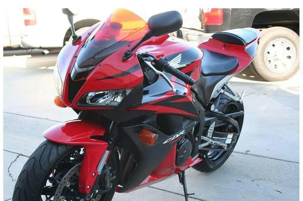 Used 2014 Honda cbr600rr for sale at good price, Whatsap.number....+13478855374 in Dubai, UAE