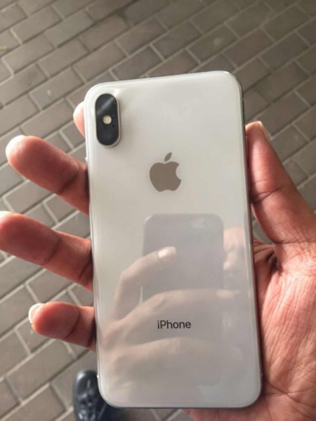 Used Apple iPhone X 256 Gb dead due to water  in Dubai, UAE