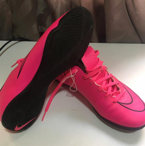 Used Nike Shoes Pink Never Worn  in Dubai, UAE