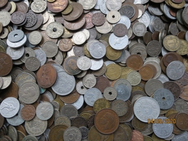 Used 1/4kg of old random collectible coins in Dubai, UAE