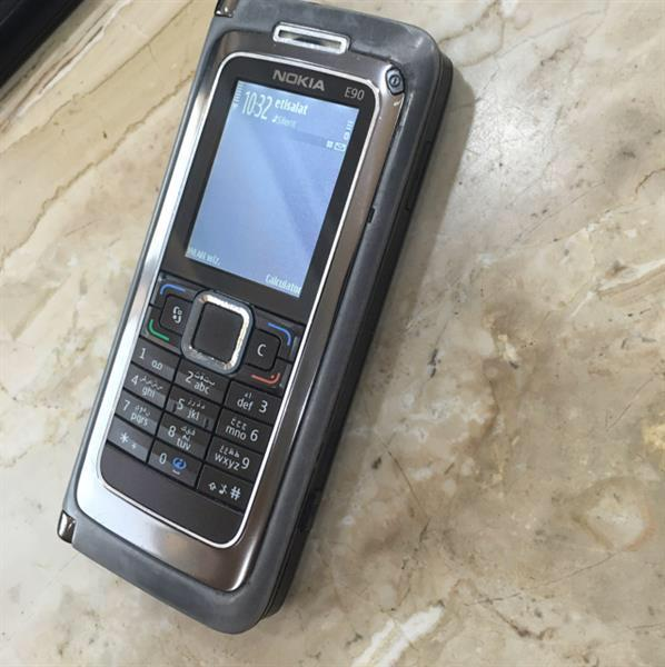 Used Nokia E90, With Complete Accessories And Box in Dubai, UAE