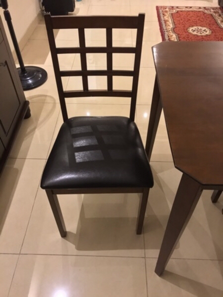 Used Dinning Set 4 persons in Dubai, UAE