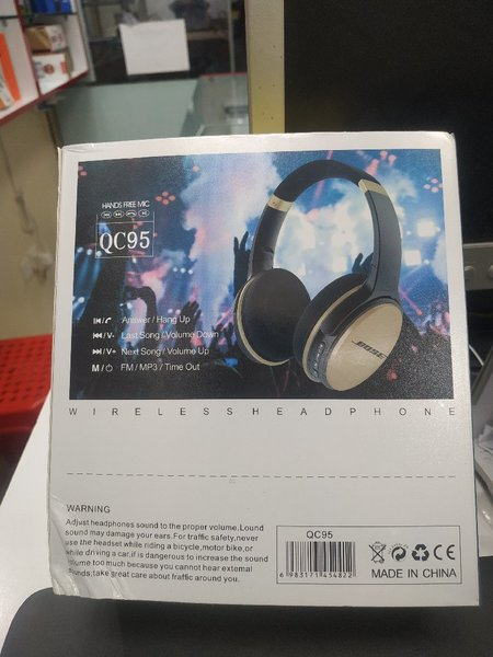 Used BOSE,QC95 in Dubai, UAE