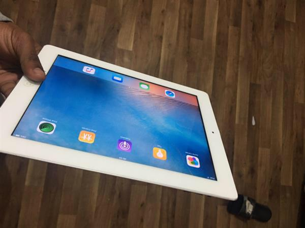 Used iPad 2 Wifi Only ! + Free Charger And Cover ! in Dubai, UAE