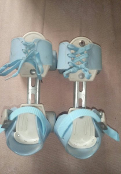 Used Skating shoes extendable size in Dubai, UAE