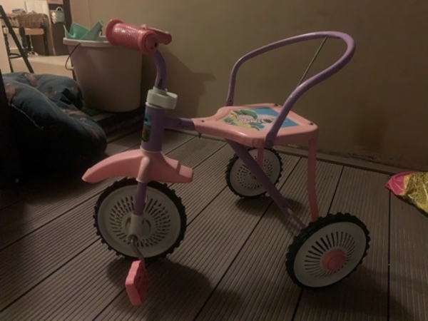 Used Baby girl first bicycle in Dubai, UAE