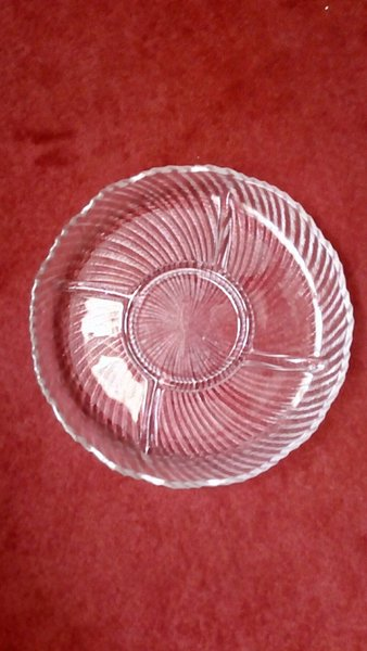 Used 4 section beautiful glass plate in Dubai, UAE
