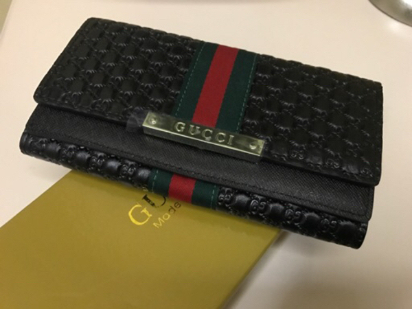 Used New black Gucci wallet for Her  in Dubai, UAE