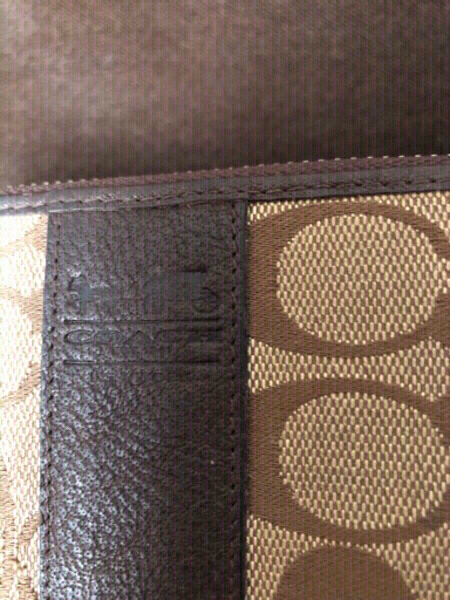 Used New wallet with some stain ‼️ fake ‼️ in Dubai, UAE