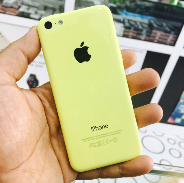Used IPhone 5c 16GB Yellow in Dubai, UAE