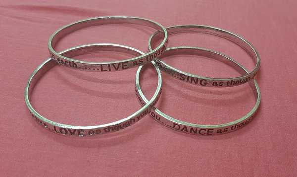 Used Love Live Sing Dance Bangles 8 pcs in Dubai, UAE