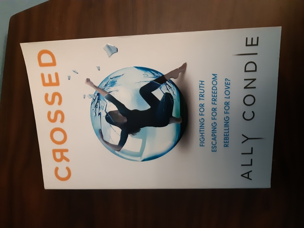 Used crossed by ally condie in Dubai, UAE
