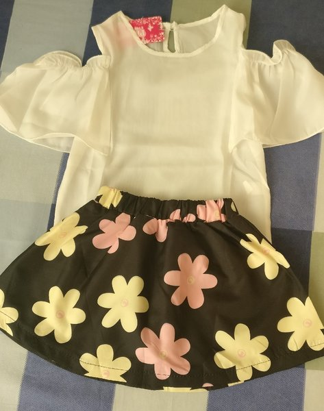 Used Brand new skirt n top with tag in Dubai, UAE