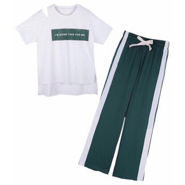 Used White/green T-Shirt and pants M in Dubai, UAE