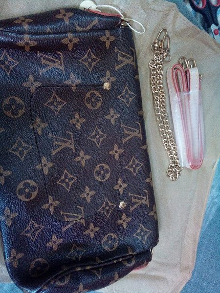 Used LV Clucth Bag Replica in Dubai, UAE