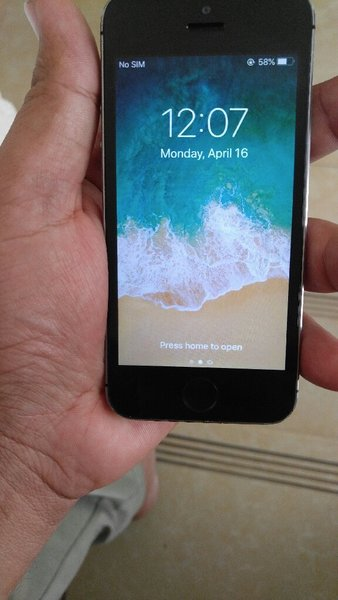 Used iphone 5s 16gb facetime in Dubai, UAE