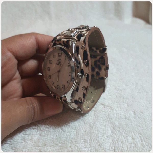 Used Tiger brown Sanis watch Unique in Dubai, UAE
