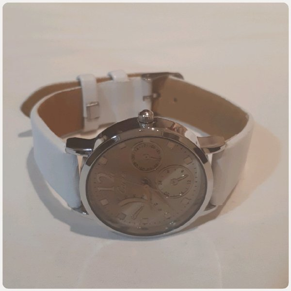 Used Carties watch white color new in Dubai, UAE