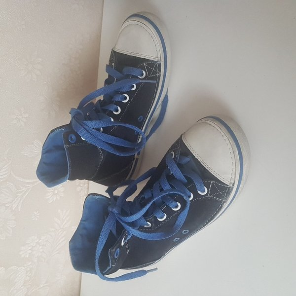 Used Original Crocs Hover Hi Top Sneaker in Dubai, UAE