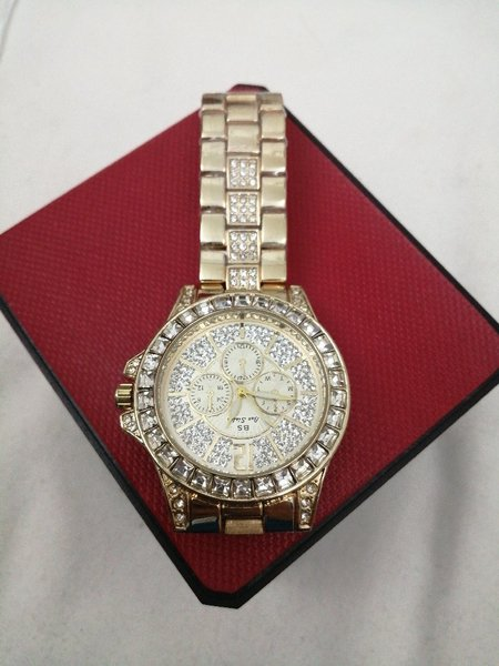 Used Ladies Watch NEW in Dubai, UAE