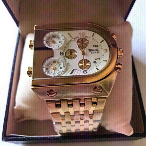 Used Luxury business men's watch (golden) in Dubai, UAE