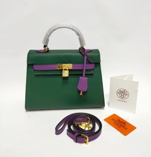 Used HERMES LADIES BAG GREEN in Dubai, UAE