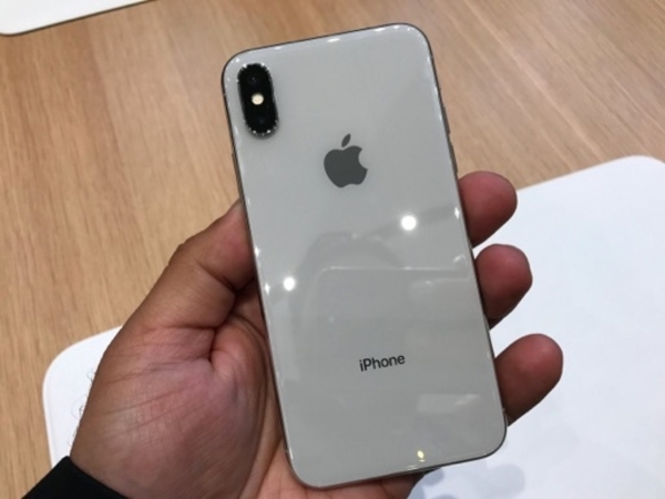 Used Iphone Xs 64 gb silver in Dubai, UAE
