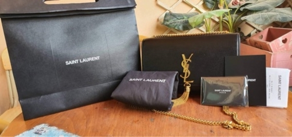 Used Ysl hand bag in Dubai, UAE