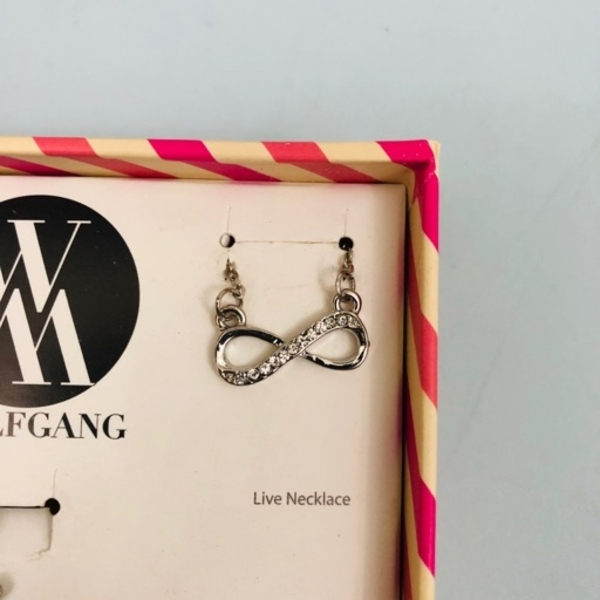 Used 5 WOLFGANG necklaces in Dubai, UAE