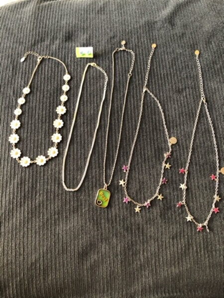 Used fashion jewelry 6 items in Dubai, UAE