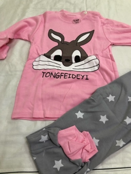 Used Baby clothes 2pc size 110cm brand new in Dubai, UAE