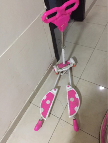 Used Scooter for young kids in Dubai, UAE