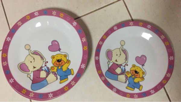 Used Kids dinner plates in Dubai, UAE
